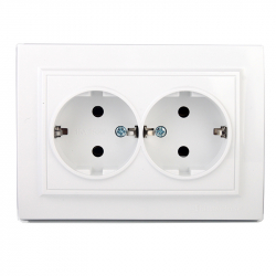 Розетка двойная термопластик с заземлением Electro House Enzo белая (EH-2111P)